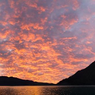 Lake_Crescent_sunset